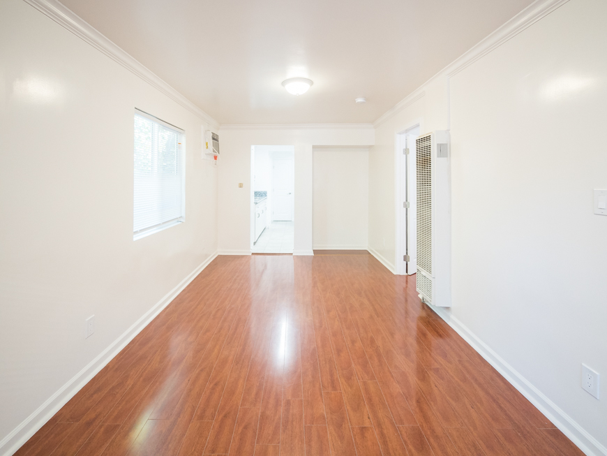 Central Los Feliz Living | Newly Renovated| Driveway Parking | Pet Friendly