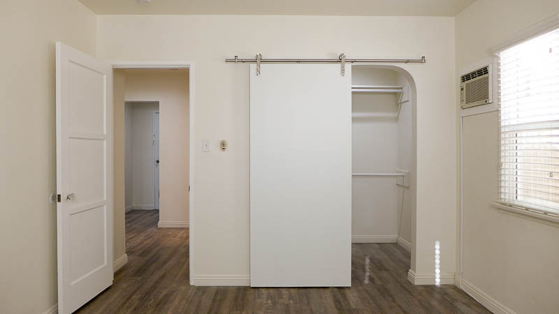 Rare Find! Spacious, One Bedroom Guesthouse with Sleek Upgrades- Washer/Dryer/Private Yard