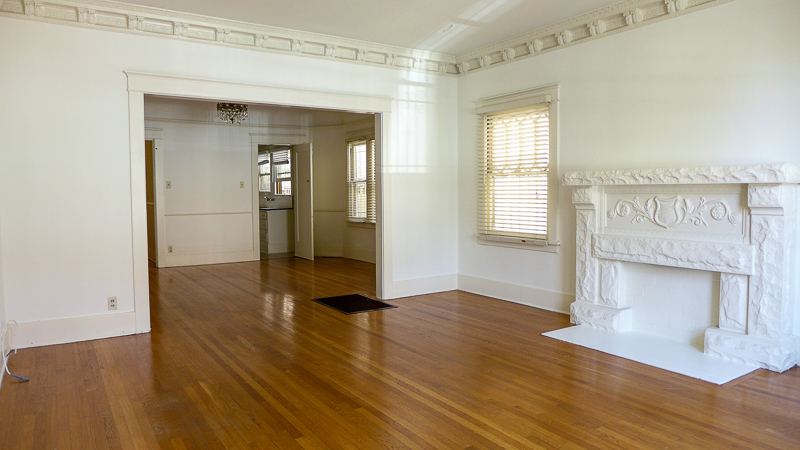 Step Into Old World New York - A Sprawling 1300 sft Beauty!