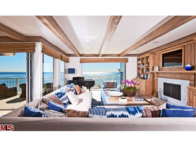 Extraordinary Beach Home with Pristine Pacific Views