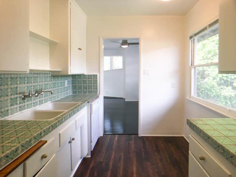 Sleek Mid Century 1 Bedroom | 1 Car Garage | Prime Los Feliz | Bonus Office Space