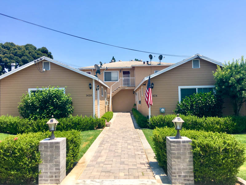 Remodeled 2 bed in Quiet 4plex| Sunset Junction & Los Feliz | 1 Car Garage | Private Patio Space