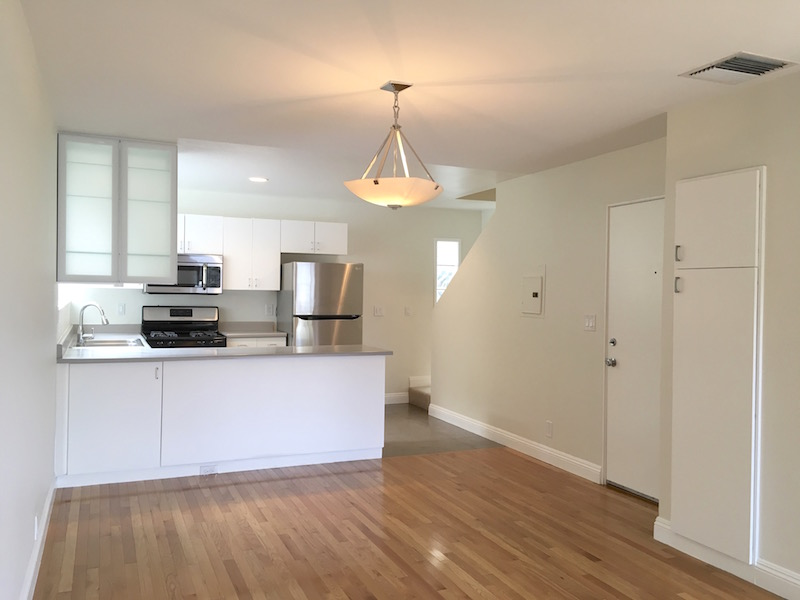 Spacious & Sleek Silver Lake Town House | Near Sunset Junction & Triangle | Central AC | All Appliances & Parking Included