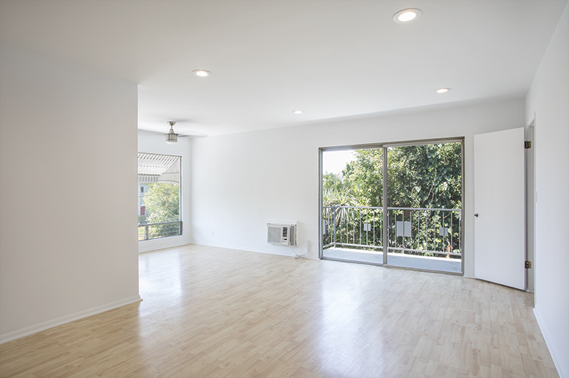Stunning 2 bed Remodel | Balcony | Parking | Prime Los Feliz